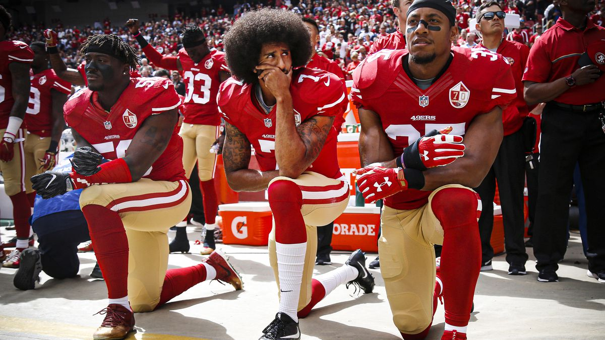 NFL's New National Anthem Policy Draws Praise From Trump ... |Football Players Kneeling