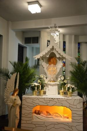 "Holy Saturday EucharisticVigil. The veiled Monstrance signifies that Jesus is not in the world. ""And he said to Peter,"